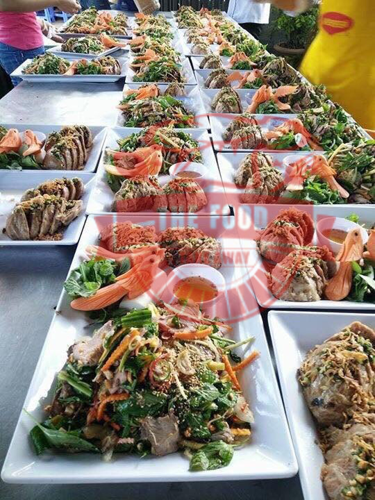 Những món ăn ngon và trình baỳ đẹp mắt là điều quan trọng để những bữa tiệc thành công tốt đẹp
