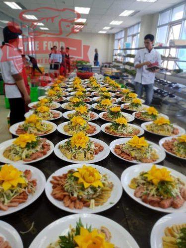 Nấu tiệc tại nhà đảm bảo được nhiều tiêu chí như món ăn ngon, trình bày đẹp, an toàn hợp vệ sinh