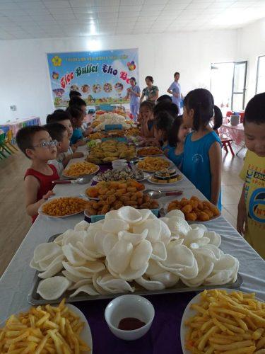 Tổ chức tiệc buffet cho bé thật hấp dẫn